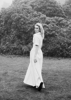 aspectabund British Actresses, Actors & Actresses, Fashion Photo, Fashion Art, Callum Turner, Vanessa Kirby, Michael Kors Collection, Best Actress, Real Women
