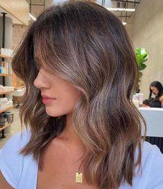 Balayage Hair Caramel, Brown Hair Balayage, Brown Blonde Hair, Hair Color Balayage, Caramel Brown Hair, Short Hair Brown Highlights, Brunette Balayage Hair Short, Light Brunette Hair, Bayalage