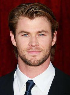 Chris Hemsworth - this is what he looked like in my dream last week. OMG