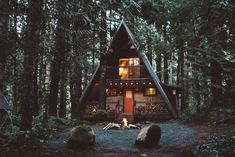 Entire home/apt in Packwood, United States. Little Owl is your Pacific Northwest A-frame cabin fantasy. We're just 20 minutes from Mt. Rainier National Park, White Pass Ski Area, and some of the most breathtaking hiking trails on the West Coast. Only 2.5 scenic hrs from Seattle and Portland...