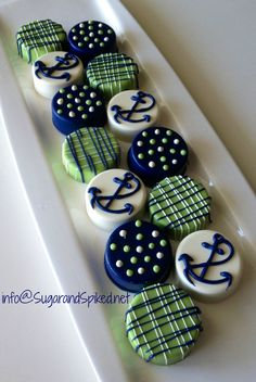 Nautical Chocolate Covered Oreos by Sugar and Spiked.--make white with gold pearls and red with the white rose