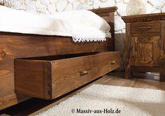 Das neue Bett muss unbedingt Schubladen haben! Wir sind dankbar für das bisschen mehr Stauraum, den wir bekommen können; massiv-aus-holz.de    #betten #bett #schubladen #home #zuhause #rustikal #bedroom #massiv #wood #furnituretrends #landhaus #einrichtung #mitschubladen #doppelbett #holzbett #möbel #schlafzimmermöbel #möbeldesign #onlineshop