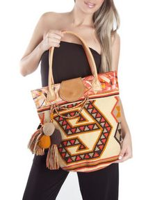 Beautiful Wayuu bags Price: $255.56 Item: CB-946 www.orchidhua.com Email:sales@orchidhua.com