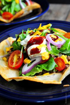 Taco salad makes a delicious quick-fix supper or gameday meal! This taco salad recipe comes together in minutes! Taco Salad Recipes, Mexican Food Recipes, Dinner Recipes, Mexican Dishes, Drink Recipes, Cooking Recipes, Healthy Recipes, Yummy Recipes, Soup And Salad