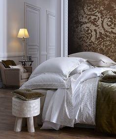 Modèle #PALAIS #ROYAL by Alexandre #Turpault [à partir de 255 € la housse de #couette - www.alexandre-turpault.com]