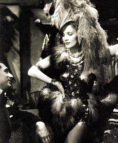 Marlene Dietrich - Blonde Venus (1932)