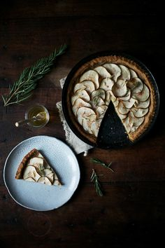 gluten free pear-tart with rosemary and honey (fall, thanksgiving, holiday) Honey Recipes, Tart Recipes, Sweet Recipes, Pear Tart, Food Photography Styling, Food Styling, Sweet Tarts, Gluten Free Desserts, Food Art