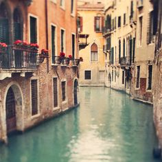 Eye Poetry - When in Venice