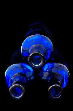 Blue | Blau | Bleu | Azul | Blå | Azul | 蓝色 | Color | Form | Texture | Bottles