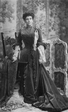 Tumblr / Princess Olga Paley, Grand duke Pavel Alexandrovich second wife and also mother of Natalia, Irina and Vladimir Paley. 1900s.  Beleef cultuurhistorie: www.desteenakker.nl