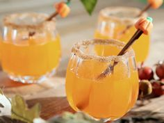Pumpkin Sangria- I have all these ingredients right now!!! NOM NOM NOM. Guess what I'm making tomorrow.