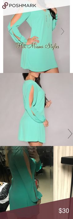 """Jade Slit Sleeve Flowy Dress - Sz Medium SO cute and comfortable foley Jade Slit Sleeve Dress from Hot Miami Styles! Size Medium  • V neckline • Slit sleeves • Flowy silhouette • Center back zipper • Lined • Approximately 31"""" in length  Worn once, EUC. Can be worn dressed up or casual! Hot Miami Styles Dresses Long Sleeve"""