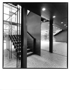 AGUIIRE NEWMAN Headquarters, Madrid. © Ana Muller, fotográfo. allende arquitectos 1999-2002 Open House Madrid, Stairs, Furniture, Home Decor, Architects, Stairway, Decoration Home, Room Decor, Staircases
