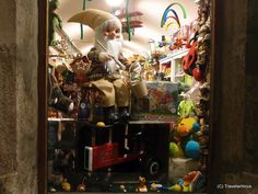 Christmas market in Sankt Wolfgang im Salzkammergut, Austria Toys Shop, Austria, Christmas Markets, Flooring, Marketing, Vacations, Collections, Beautiful, Holidays