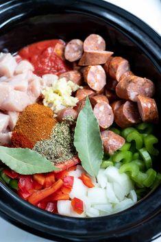 Slow Cooker Jambalaya, Jambalaya Recipe, Chicken Rice Recipes, Cajun Recipes, Haitian Recipes, Banting Recipes, Cajun Food, Louisiana Recipes, Donut Recipes