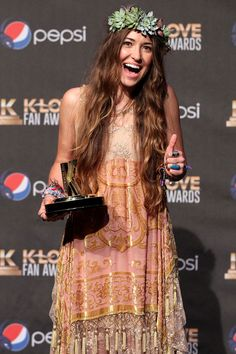 Lauren Daigle Photos - Lauren Daigle speaks onstage in the press room during the Annual KLOVE Fan Awards at the Grand Ole Opry House on May 2015 in Nashville, Tennessee. - Annual KLOVE Fan Awards At The Grand Ole Opry House - Press Room & Backstage Christian Music Artists, Christian Singers, Christian Artist, Laura Daigle, Love Lauren, Beautiful Gorgeous, Beautiful People, Beautiful Women, Boho Gypsy
