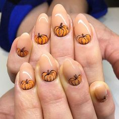 Amazing Thanksgiving Nail Designs with Pumpkins Creative Thanksgiving Nails - Herbst Nägel Ideen, Fall Nail Art Designs, Halloween Nail Designs, Pretty Nail Designs, Halloween Nail Art, Fall Nail Designs, Acrylic Nail Designs, Halloween Makeup, Halloween Party, Thanksgiving Nail Designs