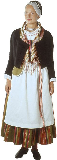kankaanpään woman in national costume Finland Folk Costume, Costumes, Family Tree For Kids, Historical Clothing, Traditional Dresses, Scandinavian, Beautiful People, Fashion Dresses, How To Wear