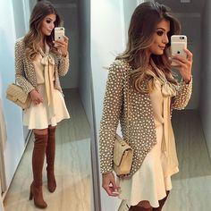 {De ontem} Look rodeio 👢💃🏻 Com meu casaco deuso de pérolas by @karolvidal ❤️ Uma joia né? 😱 Bota @arezzo saia @iorane e camisa @lojapaulapazzini • #lookdanoite #aboutyesterday #lookofthenight #ootn #selfie #blogtrendalert @countrybullsriopreto