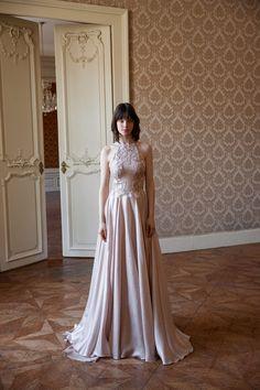 Íme a teljes Daalarna MIRROR esküvői kollekció Wedding Inspiration, Mirror, Formal Dresses, Check, Fashion, Dresses For Formal, Moda, Formal Gowns, Fashion Styles