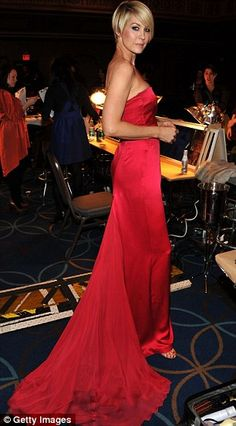 Jenna Elfman at 'The Heart Truth's Red Dress Collection Fashion Show' 2012 Celebrity Gallery, Celebrity Style, Jenna Elfman, Red Gowns, Red Carpet Fashion, Dress Collection, Evening Gowns, Catwalk, Strapless Dress Formal