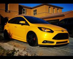 Yellow Ford Focus ST mk3 Tuning, lamps and rims