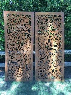 This Swirly Garden Screen stands 30 x 60 (sizes can vary) This gorgeous piece of metal art has been created for your backyard oasis. This design is all hand cut using a hand-held plasma cutter.  They are designed to show their rusty patina finish over time. One of a kind, and no two are exactly alike.  The ideas for placement are limitless!  *Please note: This price is for one panel only. * Wall art * Light boxes * Courtyards * Garden features * Pergolas * Pool and spa surrounds * BBQ areas…