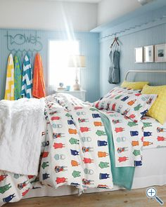 Seaside Style: Beach House Bedding