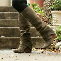 Sz 8 Fergie boots!!! Wore maybe 4-5 times! These boots are BEAUTIFUL!! Taupe color. I have never been so sad to have to sell a pair of boots :( BUT I need a 7.5 and these r an 8. They r sold out everywhere so I doubt I ever get another pair :( My loss is someone's gain!!! These boots are just freaking adorable and I  don't even need to say anything as they speak for themselves! Oh, and so so comfy!!! Fergie Shoes