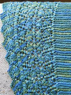 Free pattern/Ravelry:   Arbor Shawlette by Kay Jean