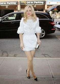 Rachel McAdams is gorgeous in white