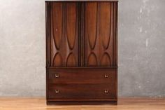 Dressers & Credenzas   Product categories   Furnish Green