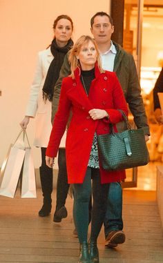 eonline:  Duchess of Cambridge shopped at John Lewis department store in Chelsea, London, January 12, 2015