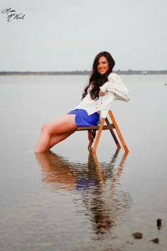 senior pictures, ideas for girls, North Texas, field, urban, country, click the pic to see more, Dallas