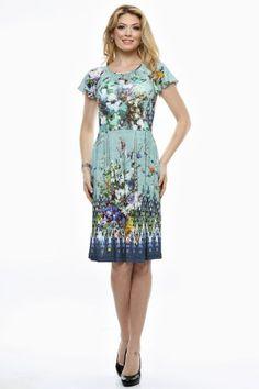 Rochie tricot imprimat cu aripioare.