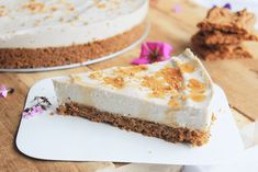 No-bake vegan cheesecake met speculaas bodem – Mitu's Meatless Food - Vegan Pumpkin Banana Cheesecake, Healthy Cheesecake, Cheesecake Bites, Pumpkin Cheesecake, Vegan Cake, Vegan Desserts, Vegan Recipes, Vegan Treats, Easy Recipes