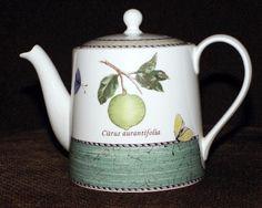 Wedgwood Sarah's Garden Green Teapot. Contemporary Teapots, Sarah's Garden, Coffee Service, Chocolate Pots, Wedgwood, Tea Pots, Pottery, Dishes, Ornaments