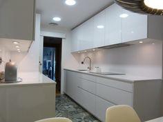 SANTOS kitchen | White Line design by Renova interiors http://www.renovainteriors.com/blog/cocina-moderna-con-alma-retro-mr/