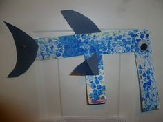 Letter F - fish craft Letter of the Week learning + crafts (E + F)   http://mamato3blessings.blogspot.com/2012/05/letters-of-week-e-f.html