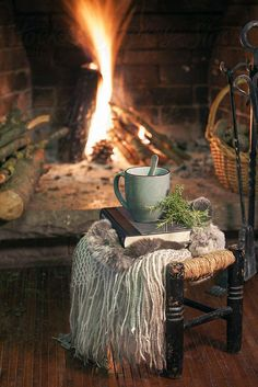 Cozy home Fireplace - Stock Photo Cozy Home A Cup Of Coffee, Book And Blanket In A Stool On Front Fireplace. Rustic Home Interiors, Coffee Cozy, Tea Cozy, Coffee Time, Coffee Shop, Coffee And Books, Carpe Diem, Cozy House, Rustic Style