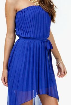 Because Everything Is Sexier In Blue. Visit bartenurablue.com to find out what everyone is talking about. #Bartenura #Blue #Moscato #Dresses #Fashion #Sexy Blue Dresses, Summer Dresses, Party Dresses, Royal Blue Bridesmaids, Pretty Outfits, Cute Outfits, Queen Dress, Perfect Wardrobe, My Favorite Color