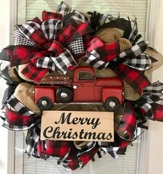 No soooo busy but I like the buffalo plaid and red truck Christmas Crafts, Burlap Christmas Wreaths, Red Christmas Decorations, Farmhouse Christmas Trees, Merry Christmas Sign, Christmas Décor, Winter Wreaths, Wreath Burlap, Wood Wreath