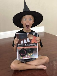 A week of Halloween fun with this Simple Halloween Books and Activities for Preschoolers and Toddlers ebook. Click now to join the Halloween fun! Halloween Books, Halloween Activities, Easy Halloween, Book Activities, Halloween Week, Vocabulary Activities, Toddler Preschool, Preschool Activities, Diy Play Doh