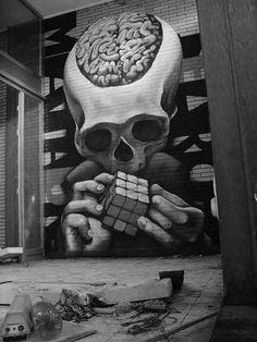 un graffiti en el cuarto