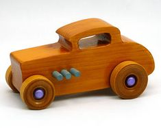 Carro de brinquedo de madeira, 32 Deuce Coupe, Hot Rod Freaky Ford, 1932 Ford, Little Deuce Cou . Making Wooden Toys, Handmade Wooden Toys, Wooden Toy Trucks, Wooden Car, 1932 Ford, Wooden Alphabet, Woodworking Toys, Wood Toys, Toys For Boys