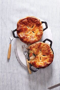 Chicken Potpie is a great idea for weekends. A special dish to indulge. #chicken #pie #recipe