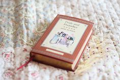 Pocket edition of Pride & Prejudice. Bro, Good Books, My Books, Indie Photography, Great Love, My Love, Turning Pages, Jane Austen Books, Pocket Edition