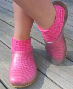 The perfect shoes to wear with beautiful hand knit socks :-)