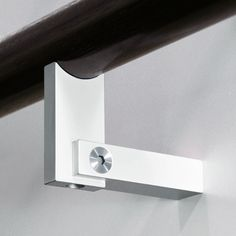 The HB 560 Handrail Bracket. CALL US to discuss your project : +1-866-636-1627. Halliday + Baillie : HB 560 Newest Addition to the H+B Handrail Bracket line. Material : Cast Aluminum Finish : Satin Chrome, anodized For glass installation use HB 542 Glass Fixing Kit; 1 required per HB 560 bracket purchased Designed and Made in New Zealand.