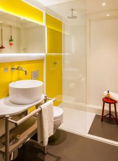 Bathroom can be decorated in anyway you want. You can do it in modern, rustic or minimalist. Or, if you love cheerful and fun ambiance, you would love to have yellow in the bathroom. There are so many things in the bathroom that you can touch with ye Yellow Bathroom Decor, Yellow Bathrooms, Bathroom Colors, White Bathroom, Small Bathroom, Bathroom Ideas, Yellow Walls, London Hotels, Bath Design
